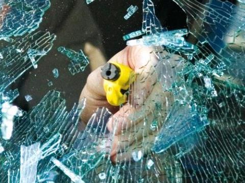 Resqme   martello   salvavita portatile